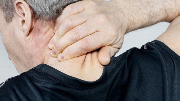 Quiropraxia é melhor que remédio para dor no pesco