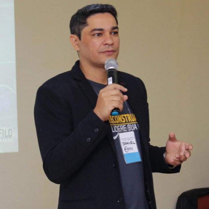 Daniel Teófilo